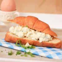 Croissant met verse eiersalade