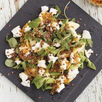Geitenkaas salade met appel en zelfgemaakte honing mosterddressing