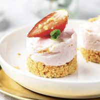 Aardbei kokos mini cheesecakes